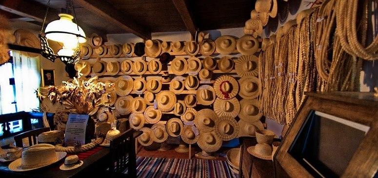 Imagini pentru muzeul palariilor de paie